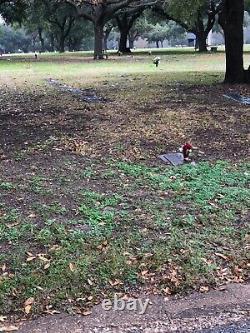 3 Burial plots best location at Restland Memorial Park & Cemetery in Dallas, Tex